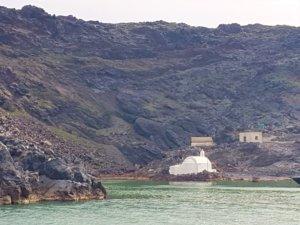 Hot_Springs_at_Volcano_Santorini