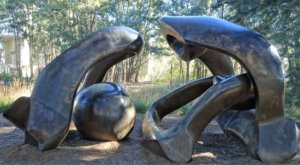 national gallery of art garden: henry moore hill arches sculpture