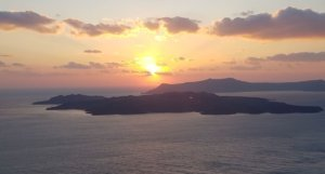 santorini sunset over caldera