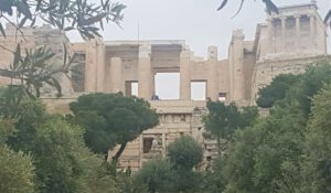 arriving to visit the Acropolis