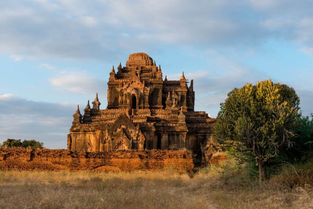 Thitsarwadi Pagoda