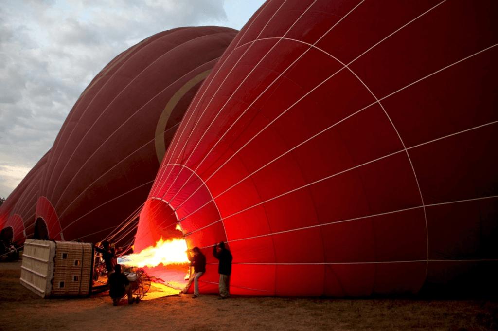 bagan balloon sunrise tour