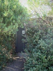 lentell avenue entrance to millionaires walk