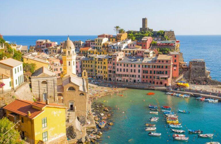 Vernazza, 5 Terre, La Spezia province, Ligurian coast, Italy.
