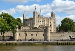 historical landmarks in london the tower of london