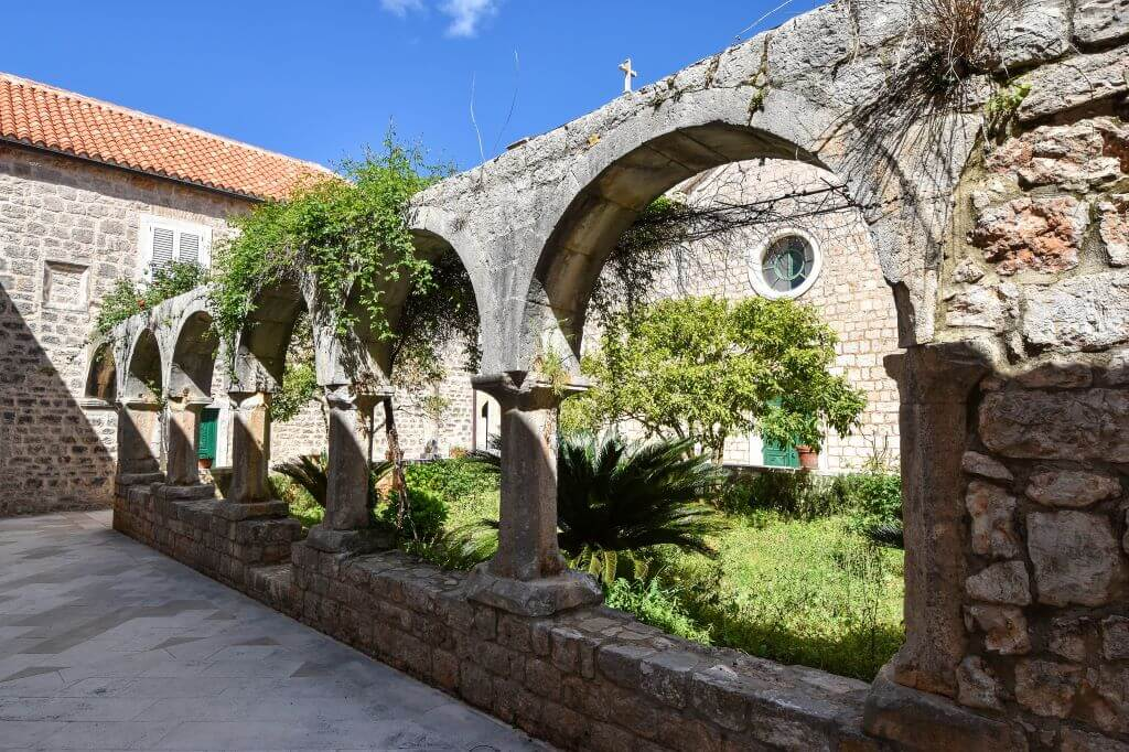 dominican monastery stari grad