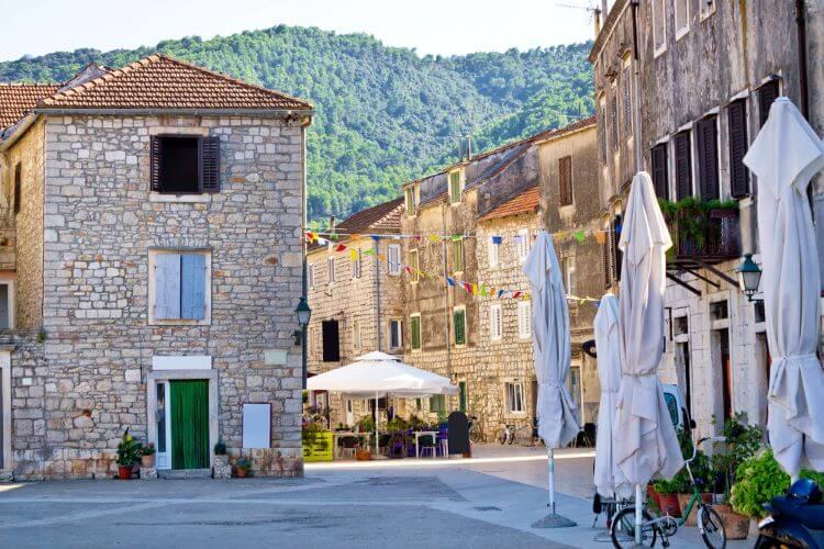 stari grad stone streets