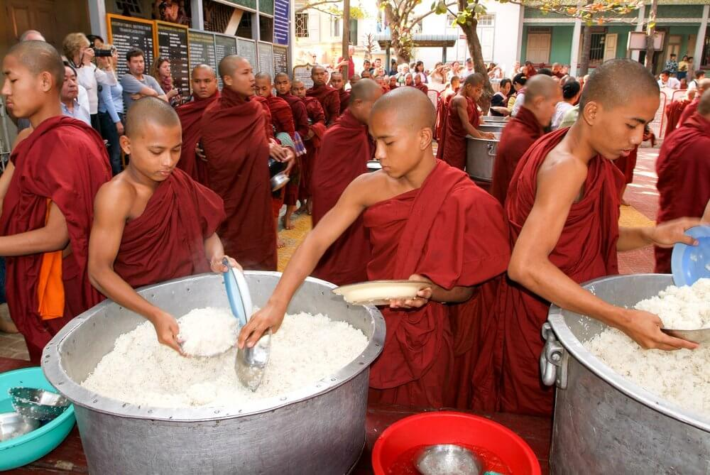 myamar monks and rice