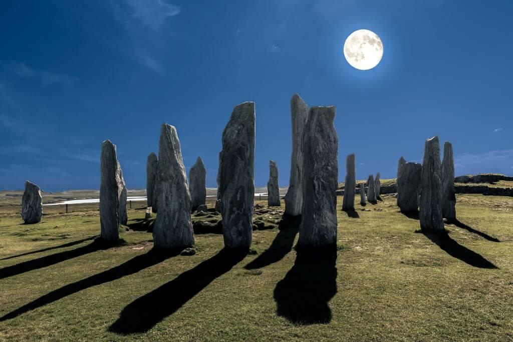 callanish standing stones night